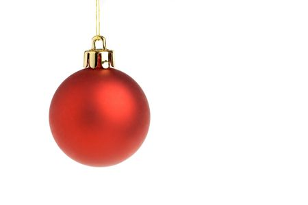 ornamentations: Unico rosso palla di Natale, isolato su uno sfondo bianco