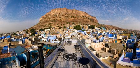maharaja: Meherangarh fort dominating the city - Jodhpur, Rajasthan, India Stock Photo