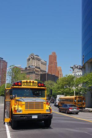 Amarillo autob�s escolar - Manhattan, Nueva York, EE.UU.  Foto de archivo - 3409081