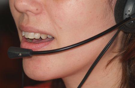 bouche avec casque d'écoute des femmes