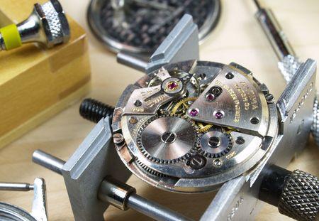 horloge machine horlogerie et de plusieurs outils  Banque d'images