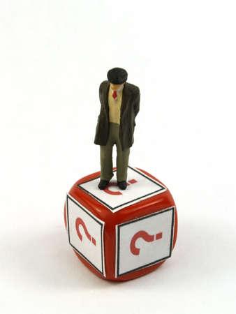 petit vieux sur un chiffre rouge mourir question simbol Banque d'images