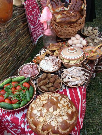 Traditional Ukrainian festive dinner meals 12 photo