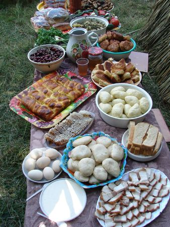 Traditional Ukrainian festive dinner meals 7 photo