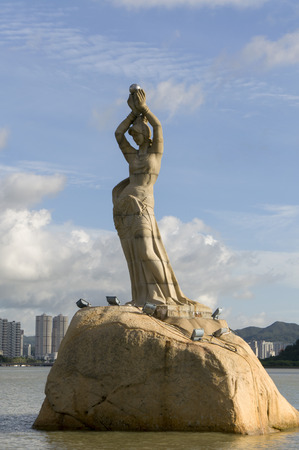 fisher: Statue of Fisher girl at Zhuhai