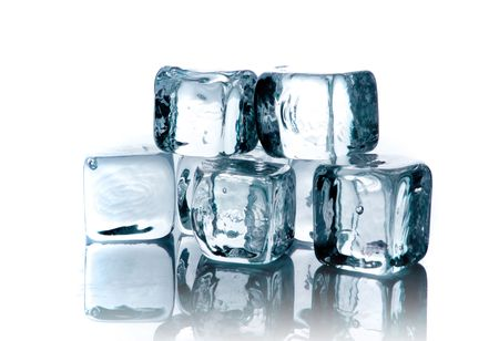 melting ice: Cubitos de hielo de fusi�n