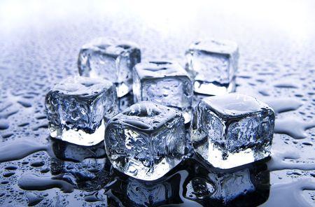 melt: Melting ice cubes