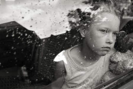 ni�os tristes: Retrato de muchacha triste