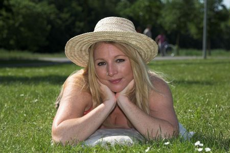 nosering: beautiful blond woman relaxing in the park