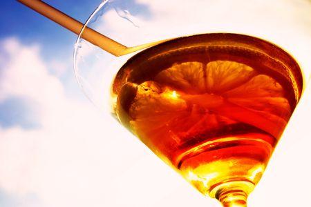 Martini close-up, le verre et le citron, la fiche