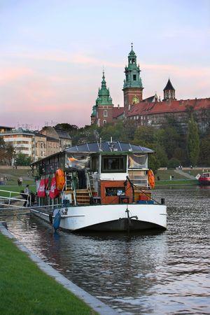 eacute: Fiume in barca