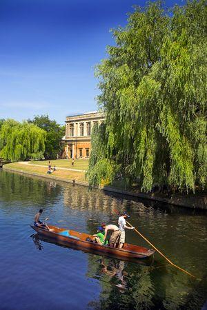 cambridge: Ponding on the river in Cambridge, England Stock Photo