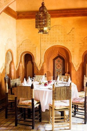 fascinate: Fashionable arab restaurant a sunny day