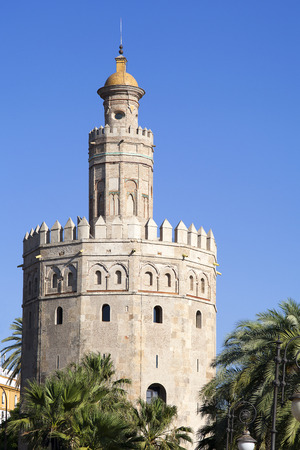 torre: Torre del Oro (Tower of Gold) in Sevilla, Spain