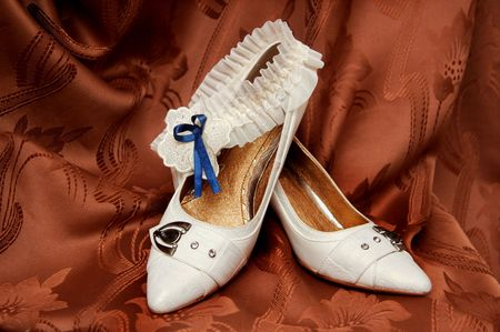 solemn: White shoes for the most solemn event - wedding!