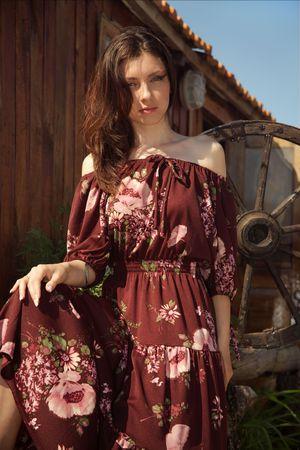 Beautiful rural girl near the dwelling. Stock Photo - 4964428