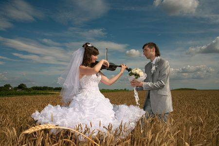 Romantic declaration of love under sounds of a violin photo