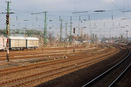 banding: Banding railway track system with wagons