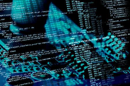 programing: Los programas de ordenador en c�digo fuente electr�nica de fondo azul  Foto de archivo