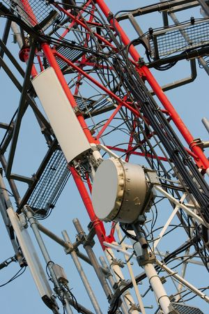 electromagnetic radiation: Detail of a transmitter tower