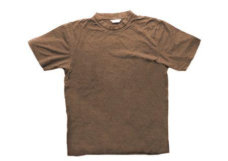 T-shirt brun isol� sur fond blanc
