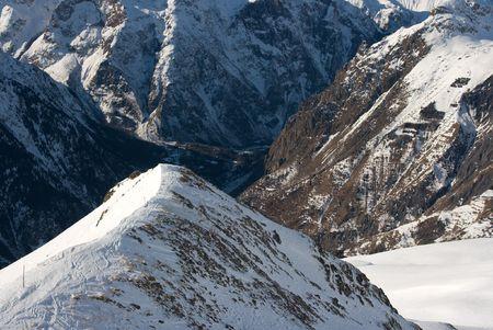 High mountain range with snow Stock Photo - 3841712
