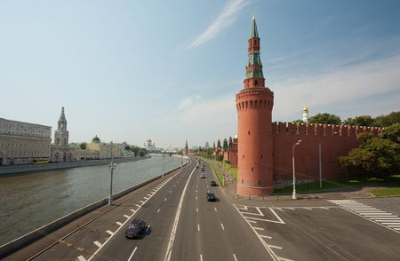 kreml: Moscow with the river Moskva and the wall of the Kreml
