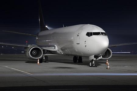 buonanotte: Aereo Cargo in un aeroporto