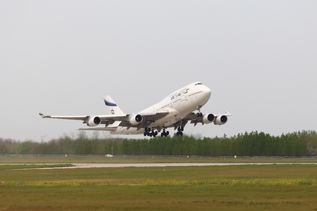 liszt: BUDAPEST, HUNGARY - APRIL 30: El Al Israel Arirlines Boeing 747 taking off from Budapest Liszt Ferenc Airport, April 30th 2013. El Al is the flag carrier airline of Israel since 1948. Editorial