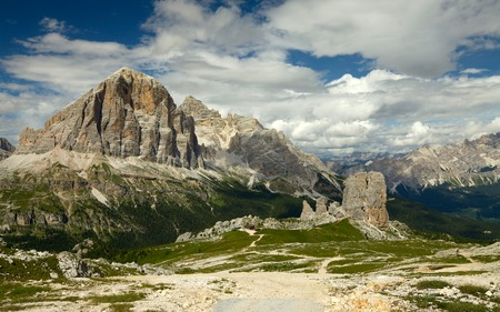 torri: Cinque Torri, rock formation in the Dolomites