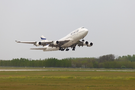 jetplane: BUDAPEST, HUNGARY - APRIL 30: El Al Israel Arirlines Boeing 747 taking off from Budapest Liszt Ferenc Airport, April 30th 2013. El Al is the flag carrier airline of Israel since 1948. Editorial