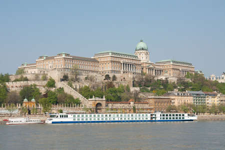 buda: Ch�teau de Buda � Budapest avec le Danube Banque d'images