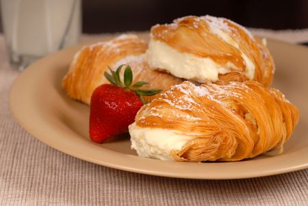 rich flavor: Three sfogliatelles filled with pastry cream with strawberry