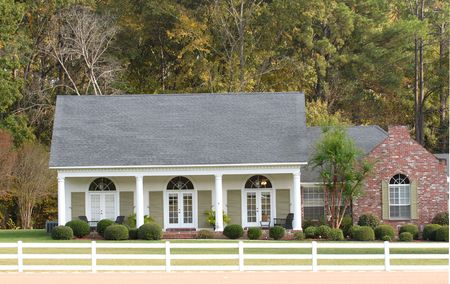 country house style: An elegant ranch style home in a country setting