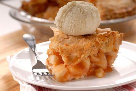 szarlotka: Świeżo pieczone wykres kołowy z jabłoni głębokie tygla a la mode  Zdjęcie Seryjne