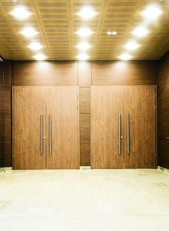 lock  futuristic: due porte per la vostra scelta  Archivio Fotografico