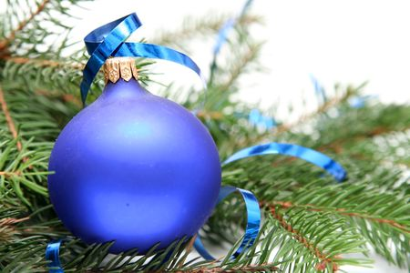 Blue christmas bulbs on a white background Stock Photo - 667984