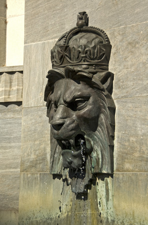 stone lion: Royal lion head fountain at the War Memorial in Adelaide, South Australia Stock Photo