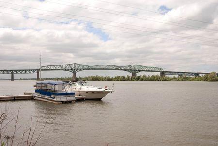 sailling: boat on st-Laurent River