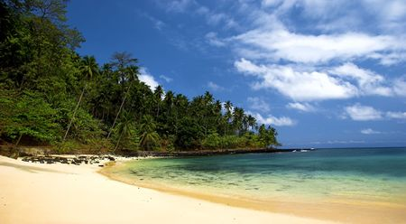 turqoise: Beautiful beach with a great blue sky and turqoise water in Sao TomŽ - Equator