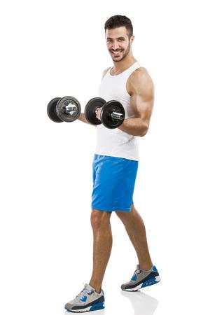 levantar pesas: Retrato de un hombre musculoso, levantamiento de pesas, aislado sobre un fondo blanco Foto de archivo