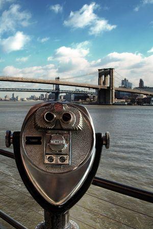 17: Que funcionan con monedas prism�ticos en el Pier 17 (Nueva York)