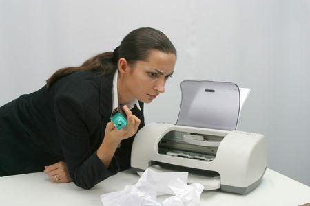 Business vrouw wordt afgedrukt in functie Stockfoto