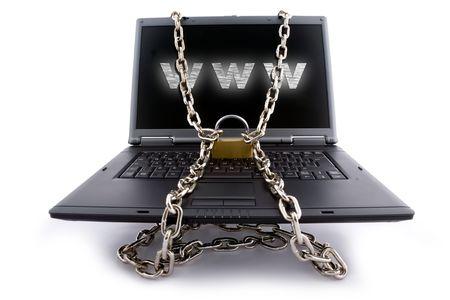 Laptop Keyboard beveiligd met ketting en hangslot