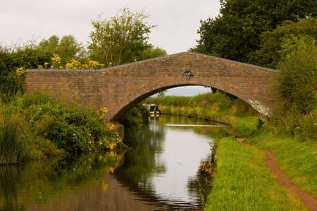 worcestershire: Castle Croft Bridge on the Staffordshire and Worcestershire Canal, England