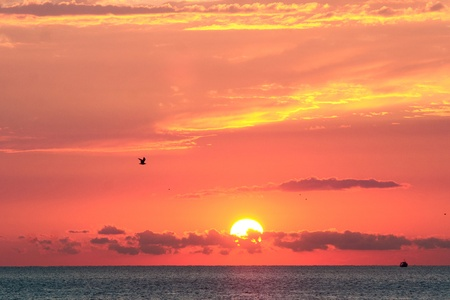 appease: Beautiful sunset above the sea Stock Photo