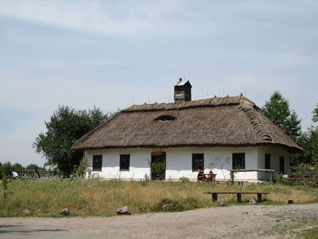 ancient rustic shack on a field Stock Photo - 653668