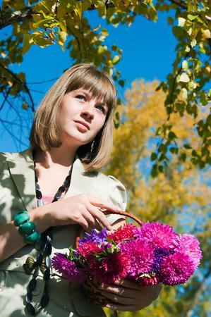 vacancier: L'image de la fille du vacancier dans le parc