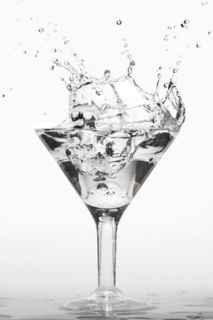 bartend: splashing martini