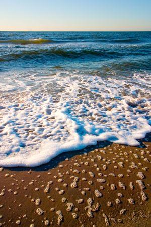 upheaval: Waves, beach
